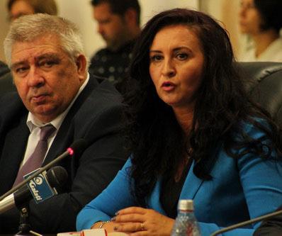 Madam ministru Intotero