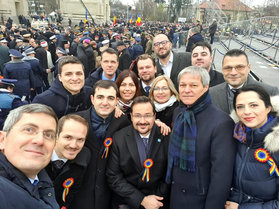 Decălecătorii Bogdani de Covurlui (Rodeanu, Dumitrescu) au încălecat bidiviul PLUS și călăresc spre alegeri parlamentare prin ținutul USR minus PLUS